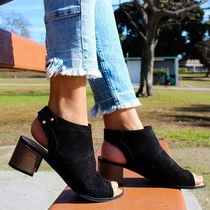 🆕//The Ally// Black cutout chunky heel